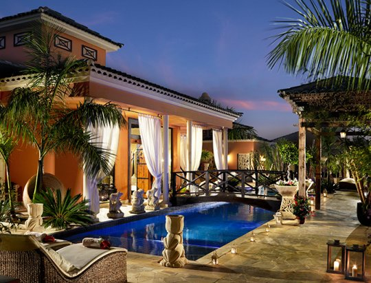 Royal Garden Villas *****