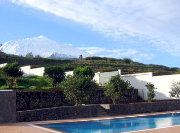 Vista del Teide nevado desde el Hotel Rural Casablanca