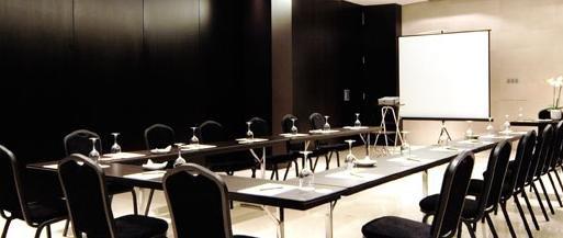 Ejemplo salón de reuniones